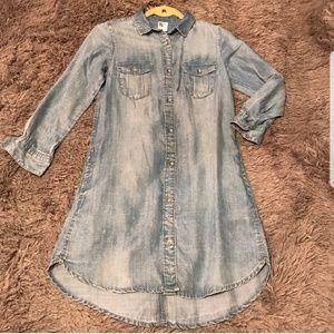 H&M Buttoned down chambray denim dress